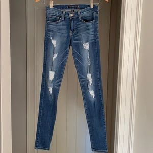 Flying Monkey distressed skinny jeans. Size 26